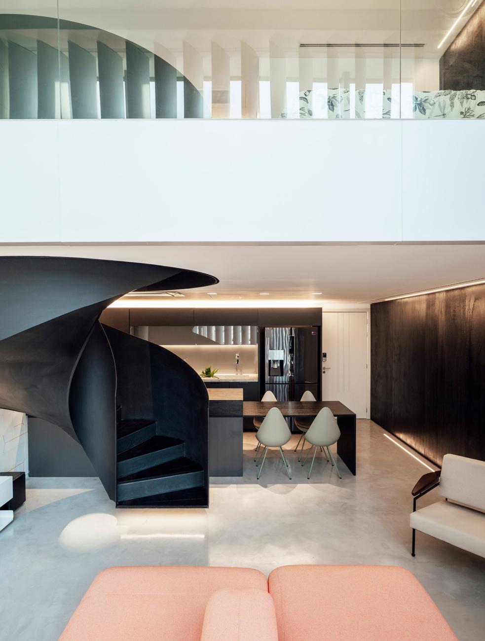 Arquitetura Nacional (Бразилия). Мини-лофт с винтовой лестницей