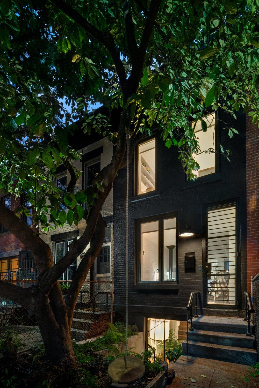 Office of Architecture (США). Нью-йоркский дом для молодой семьи
