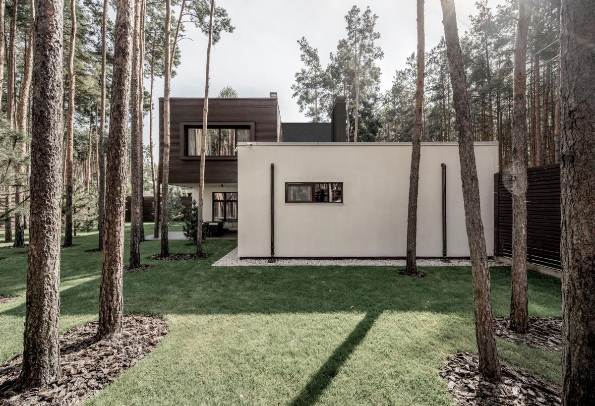 Yakusha Design (Украина). Дом среди сосен