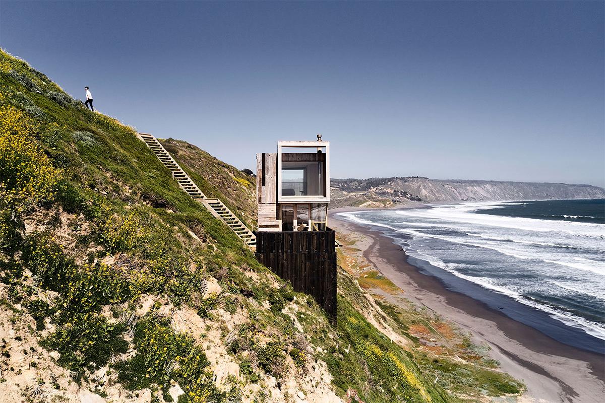 Croxatto y Opazo Arquitectos (Чили). Дача для серферов