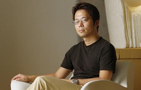 Токуджин Йошиокa — дизайнер года