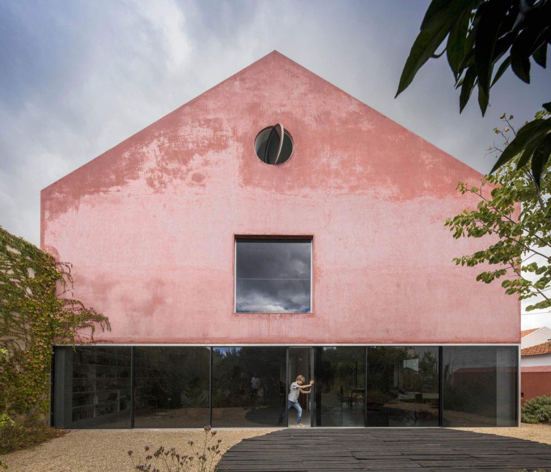 Extrastudio (Португалия). Дом на месте винодельни