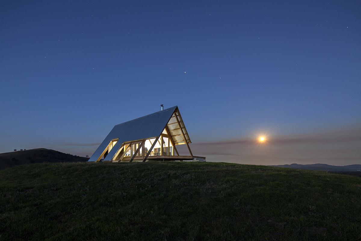 Anthony Hunt Design и Luke Stanley Architects (Австралия). Домик для уединения 28 м2